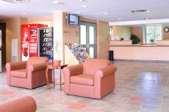 Image of the Front Desk at RCC - Brampton.